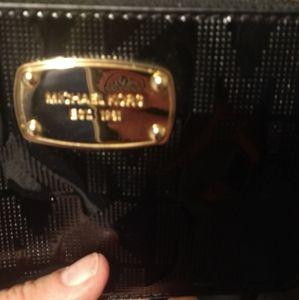 Michael Kors black wristlet wallet carry